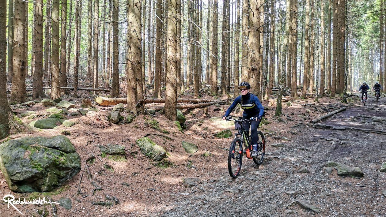 E-MTB-Mountainbike-Harz-Wernigerode-ebike-your-life_Radelmaedchen_Jan-Bubenik-20
