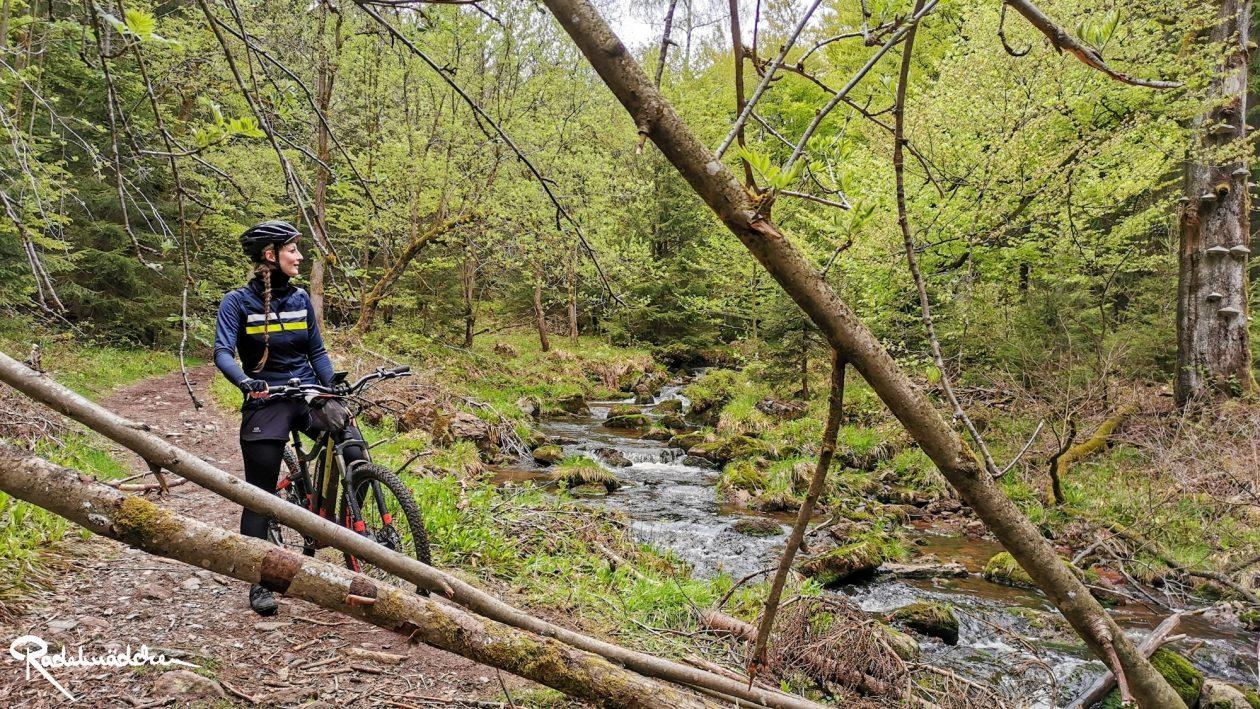 E-MTB-Mountainbike-Harz-Wernigerode-ebike-your-life_Radelmaedchen_Jan-Bubenik-6