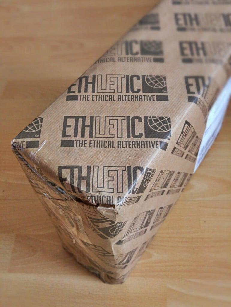 Gut und nachhaltig verpackt sind die Sneaker angekommen.
