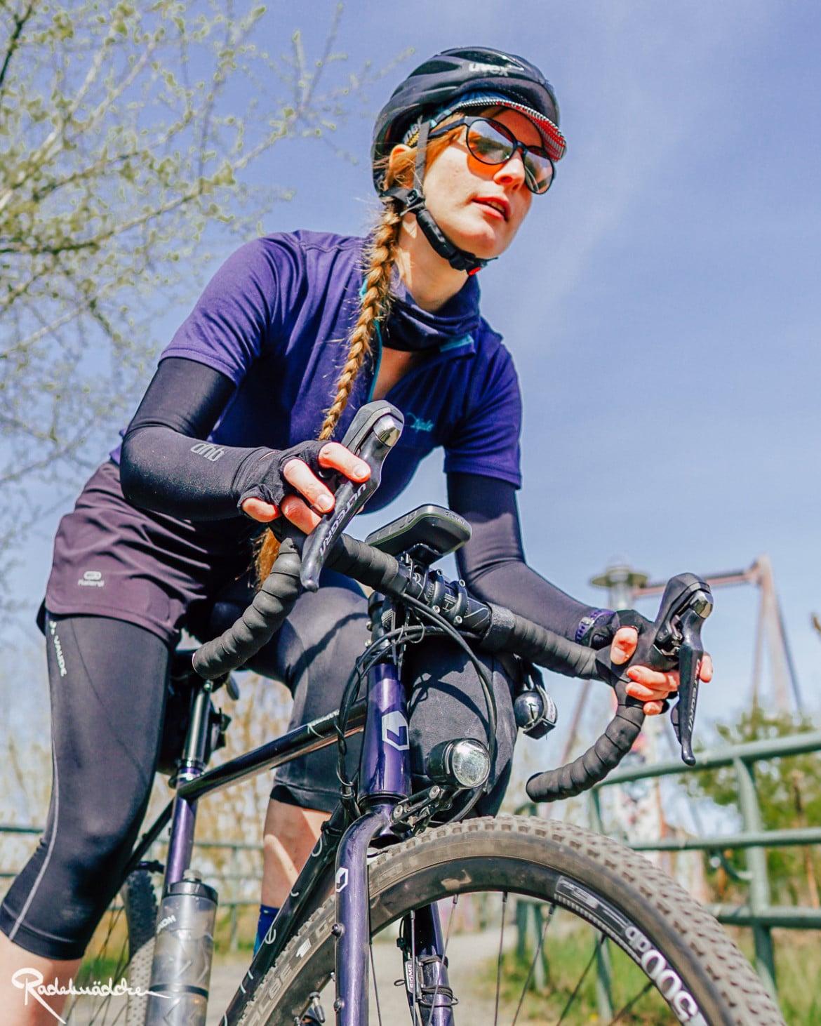 Radelmaedchen on the bike with Schwalbe g-One