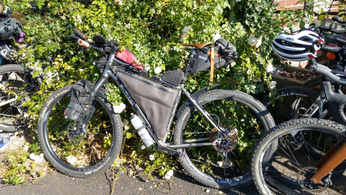 bikepacking rad mit full frame bag