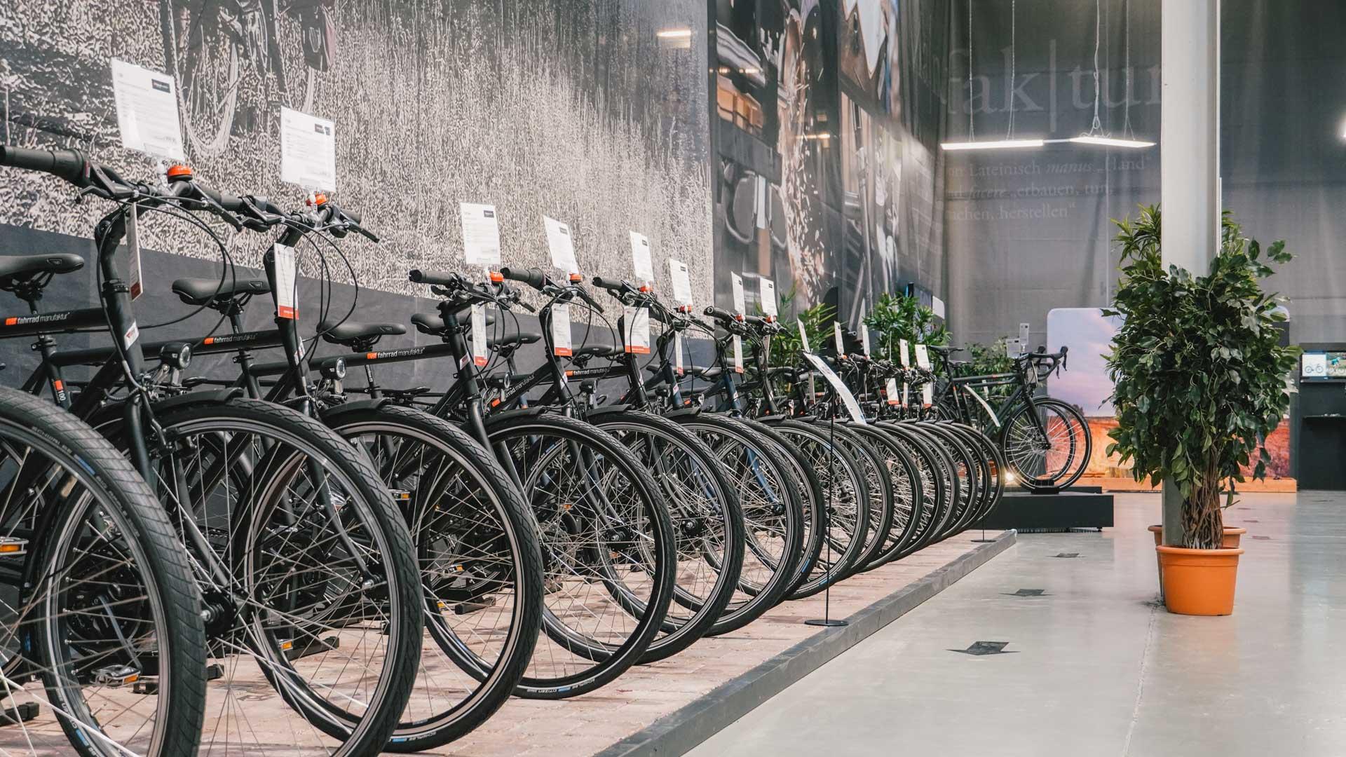 Fahrräder iin einer Reihe