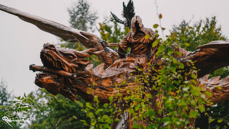 Holzreiter auf Holztier